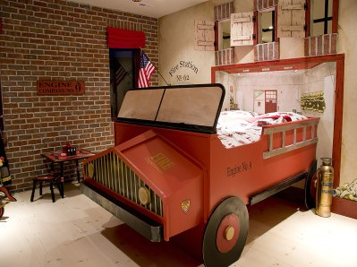 cool-firetruck-boys-room