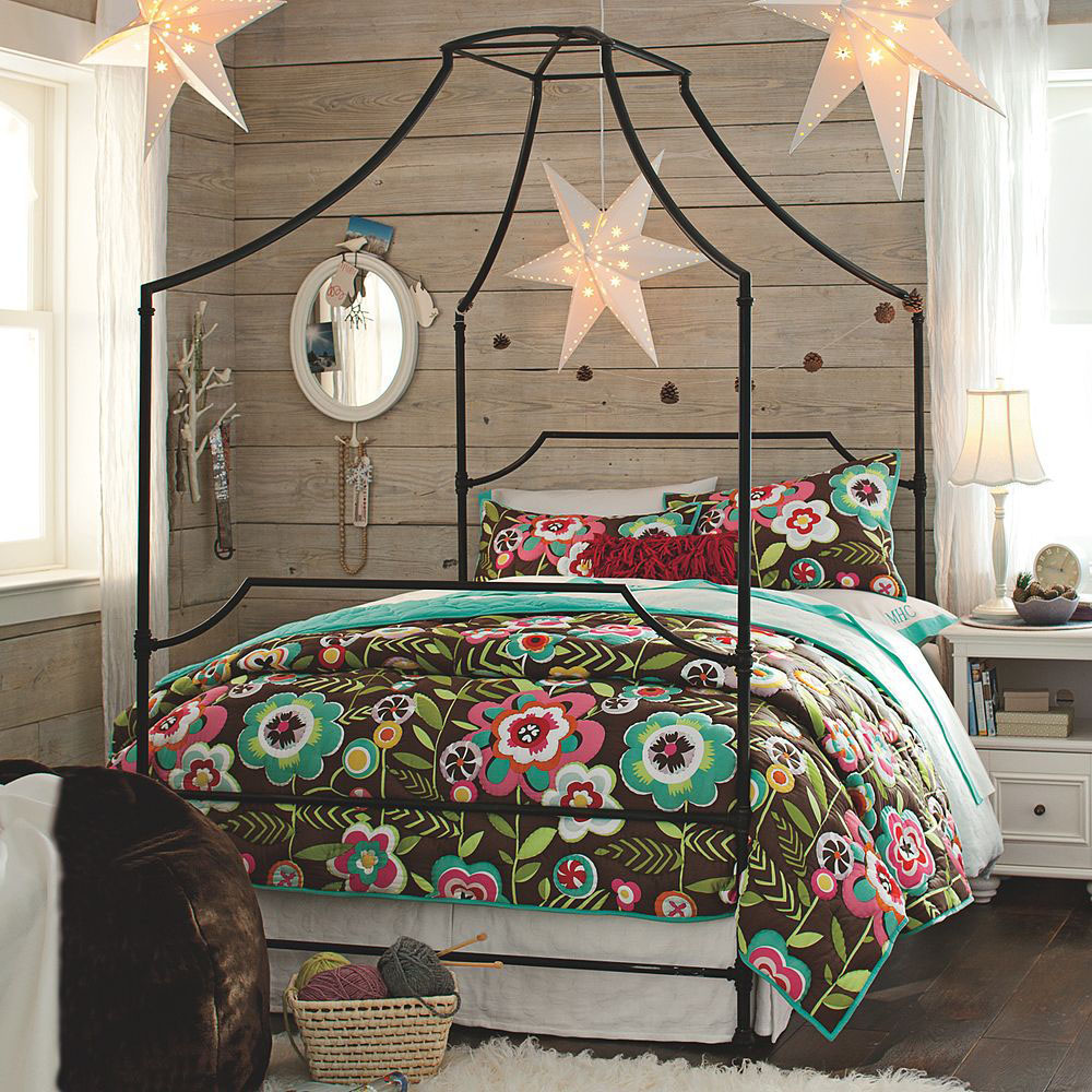 Canopy-beds-For-the-Modern-Bedroom-Freshome-121