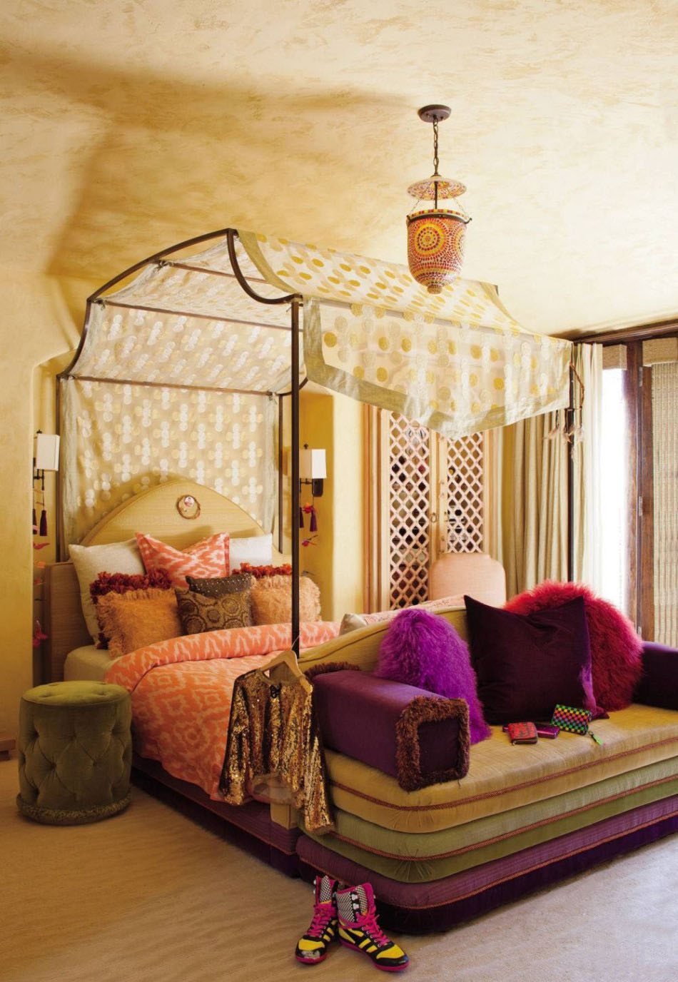 Canopy-beds-For-the-Modern-Bedroom-Freshome-201-950x13761