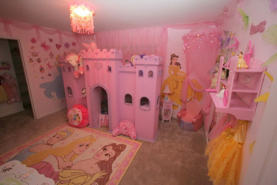 princess-bedroom-915x610