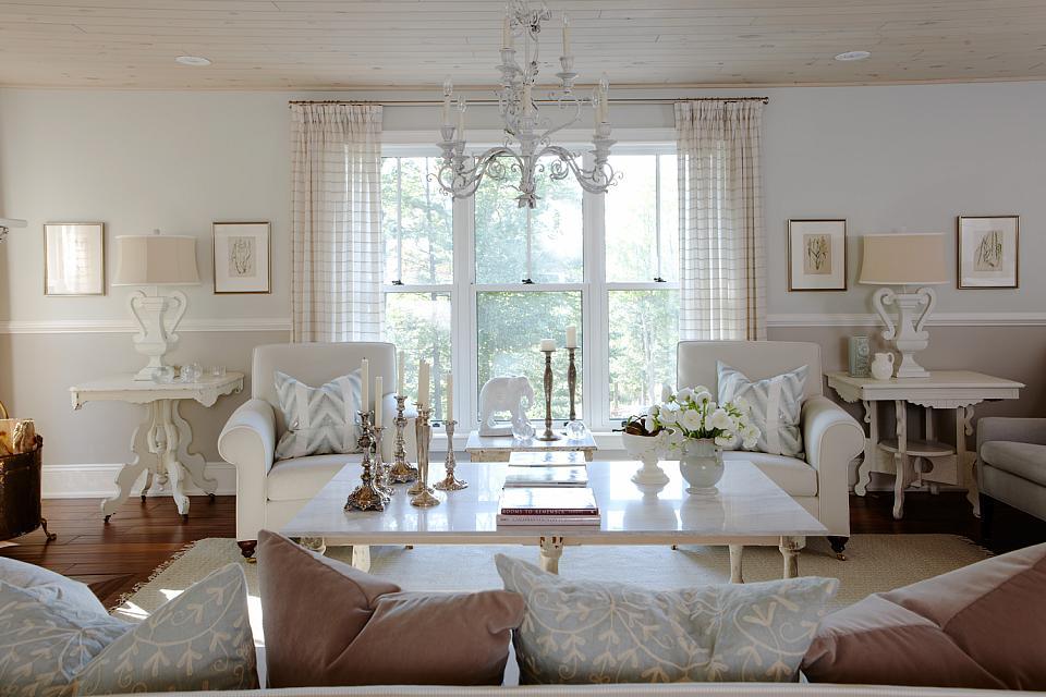 sarah-richardson-large-living-room-furniture-arrangements